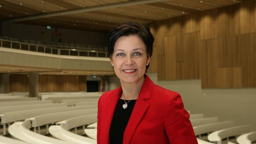 Marja Tiura, STKL:n toiminnanjohtaja muotokuva
